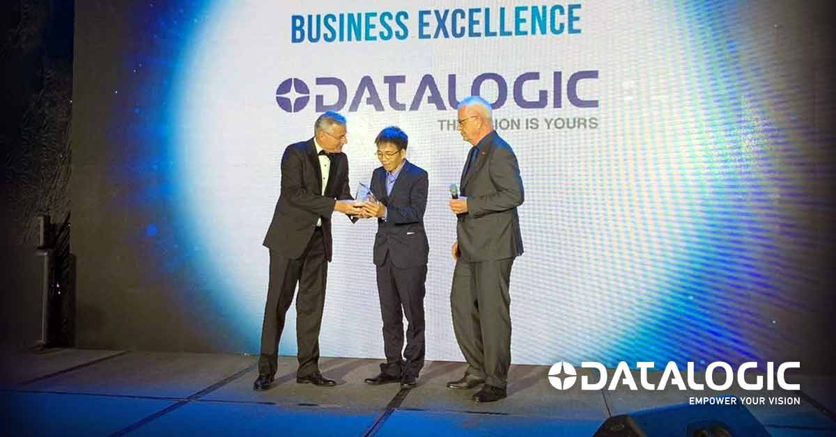 Datalogic received the business award by EuroCham-Vietnam